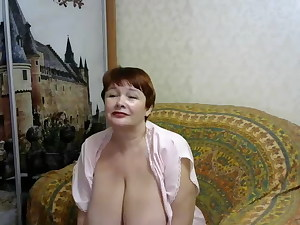 Russian mature with excellent body on the cam