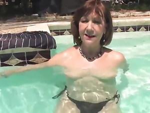 snapchat granny masturbate in swimming pool doggie-style thick t